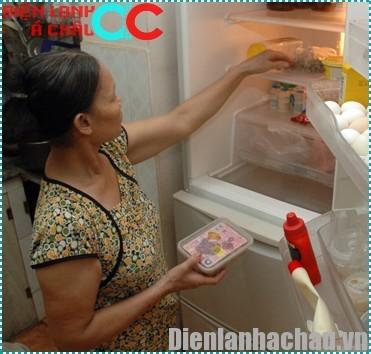 Cần nấu chín thức ăn trước khi bảo quản trong tủ lạnh