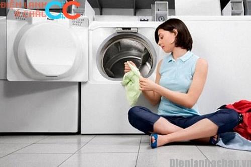 Cách giặt quần áo sạch hơn trong máy giặt