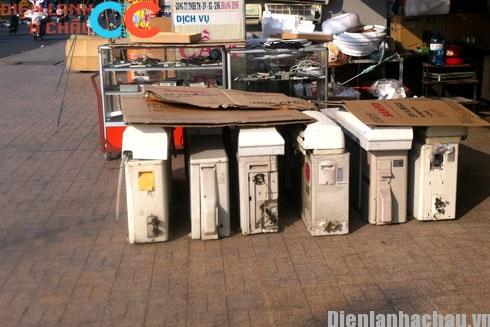 Máy lạnh vỉa hè thu hút nhiều khách hàng